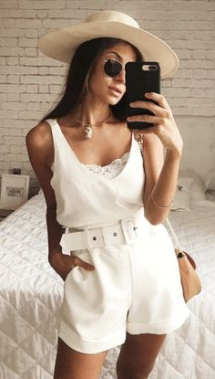 Cutest Summer Outfits to Try Now - Wass Sell Late Summer Outfits, Summer Shorts Outfits, Short Outfits, Spring Outfits, Trendy Outfits, White Outfits, Look Star, Girl Fashion, Fashion Outfits