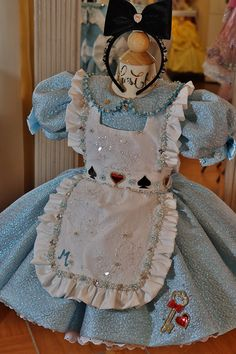 Alice In Wonderland Tea Party Birthday, Alice In Wonderland Costume, 1st Birthday Party Themes, 1st Birthday Girls, Pretty Little Dress, Little Dresses, Glitz Pageant, Anime Inspired Outfits, Girls Dance Costumes