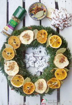 Moja smaczna kuchnia: Jak udekorować świąteczny wieniec?