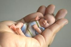 OOAK Baby Polymer Clay Hand Sculpted Art Doll 6 inches by Wendy Valles Reborn Toddler Dolls, Reborn Dolls, Reborn Babies, Tiny Dolls, Ooak Dolls, Art Dolls, Polymer Clay Dolls, Polymer Clay Miniatures, Mini Bebidas