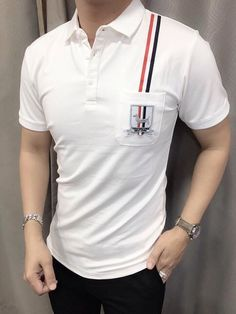 the shoulder stripe, with a single colour on shirts & tshirts Camisa Polo, Mens Fashion Suits, Fashion Outfits, Polo Design, Fashion Photography Poses, Boys Wear, Polo T Shirts, Mens Clothing Styles, Shirt Designs