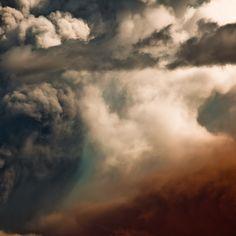 volcanic eruption at Eyjafjallajökull glacier 2010