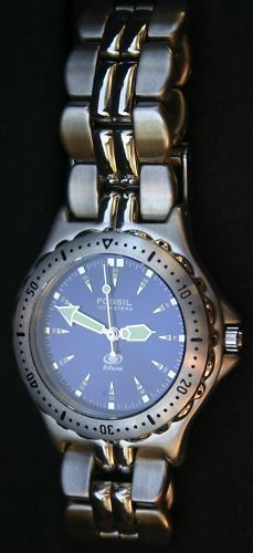 I've had a watch similar to this since about 1996 - FOSSIL BLUE STAINLESS 100 METERS WATCH