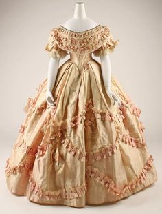Silk Civil War dress 1860-1861 ( Wish we were going to the party at the Moffets so I could wear a dress like this!)
