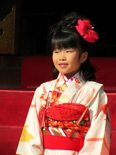 "Shichi-Go-San (七五三, lit. ""Seven-Five-Three"") is a traditional rite of passage and festival day in Japan for three- and seven-year-old girls and three- and five-year-old boys, held annually on November 15. As Shichi-Go-San is not a national holiday, i Sàn gỗ, Soloha chuyên cung cấp và thi công các loại sàn gỗ, sàn gỗ tự nhiên, sàn gỗ công nghiệp tại Hà Nội. Liên hệ:  (04).6329.7777 