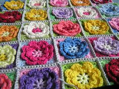 Bloemendeken. lijkt op het patroontje van de HEMA maar dan grotere bloemen