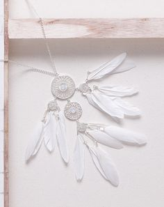 White Feathers Necklace  #pavementbrands #feather #necklace #teenaccessories #teenjewellery #jewellery #girlsaccessories
