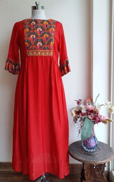 Simple Kurti Designs, Kurta Designs Women, Fancy Blouse Designs, Indian Designer Outfits, Indian Outfits, Red Kurti, Kurta Patterns, Kurti Embroidery Design, Embroidery Dress