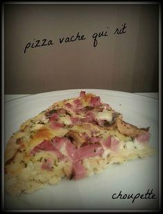 Pizza vache qui rit et sa garniture jambon/champignons Choupette, Hawaiian Pizza, Quiches, Food, Pizza, Torte, Ham, Cow, Greedy People