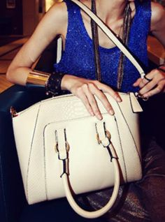 White Fashion Satchels Bag With Print More Cute, White Fashion, Bucket Bag, Satchels, Fashion Outfits, Satchel Bag, Bags, Clothes, Detail