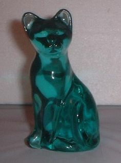 FENTON ART GLASS CAT FIGURINE!!