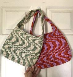 Pull Crochet, Mode Crochet, Knit Crochet, Crochet Bags, Crochet Clothes, Diy Clothes, Crochet Designs, Crochet Patterns, Cute Bags