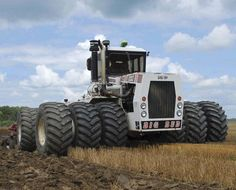 Read this exciting story from Diesel World January 'Nuff Said! Logging Equipment, Heavy Equipment, Agriculture Pictures, Tractor Pictures, Big Tractors, New Tractor, Classic Tractor, Antique Tractors, Off Road Racing