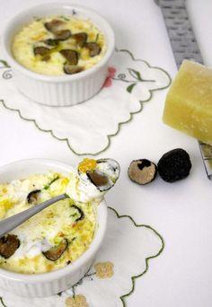 Uova in cocotte con scaglie di tartufo nero