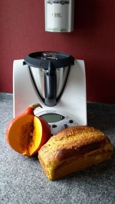 thermomix Juicy pumpkin mares from at www.de, the Thermomix ® Neighborhood Info Recipes With Yeast, Nutritional Yeast Recipes, Bread Recipes, Baked Pumpkin, Pumpkin Recipes, Vegan Pumpkin, Pumpkin Bread, Nutella Brownies, Pumpkin Dessert