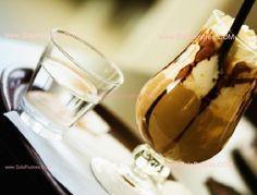Mousse de chocolate blanco y café