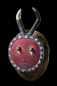 """Kplekple bla"" mask from Baule people of Côte d'Ivoire. via Zemanek-Münster Tribal Art Auction"