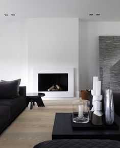 Piet Boon is one of the most important and iconic designers of our time, and belongs to most famous Dutch architects and best interior designers. Get inspired by him and by his creative design team! Home Fireplace, Modern Fireplace, Fireplace Surrounds, Fireplace Design, Fireplaces, Simple Fireplace, Interior Design Minimalist, Contemporary Interior, Chimenea Simple