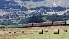 A bordo dei treni d'epoca lungo la linea ferroviaria più panoramica d'Italia