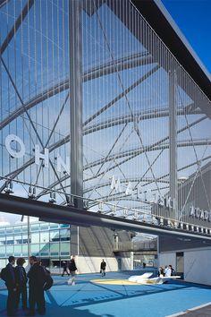Façade with architectural mesh construction сетка Architecture Art Design, Architecture Office, Architecture Details, Science Gallery, Presentation Design, Cladding, Skyscraper, Construction, Building