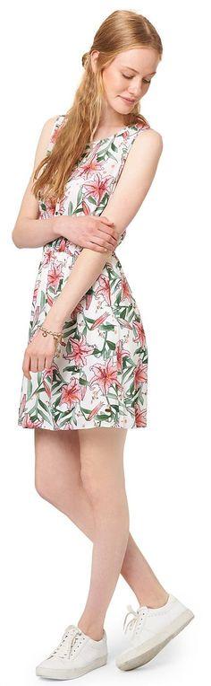 Sommerkleid mit Tropen-Print für Frauen (gemustert, ärmellos mit Rundhals-Ausschnitt und Knopfleiste) aus leichtem Voile, eingefasstes Elastik-Band an der Taille, Rückenpartie mit transparenter Spitze. Material: 100 % Viskose...