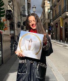 """El Mar Querer"" My fav song from this Album is ""Maldición""and ""Que No Salga La Luna"" This Album is art. Divas, Feminist Icons, Portraits, Retro Futurism, Celebs, Celebrities, Aesthetic Vintage, My Crush, Girl Crushes"