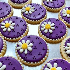 How could I almost miss National Sugar Cookie Day? Throwback to one of my favorite cookies from last year 💜 . Fancy Sugar Cookies, Purple Cookies, Flower Sugar Cookies, Sugar Cookie Royal Icing, Iced Cookies, Cute Cookies, Easter Cookies, Cupcake Cookies, Cupcakes