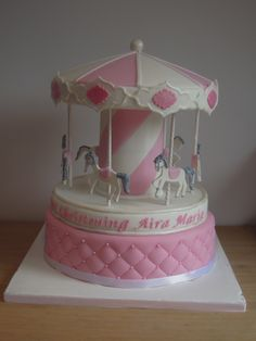Carousel cake, pink with horses and quilting