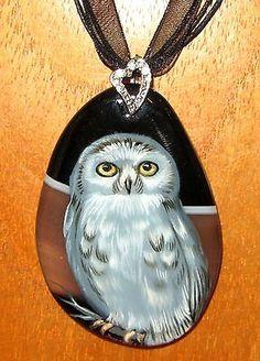 Russian-hand-painted-WHITE-OWL-BIRD-Brown-Black-STONE-pendant-signed-Gorbachova