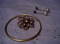 Vintage Crystal Brooch, Pearl Drop Earrings & Milligrain Bracelet Jewelry Set