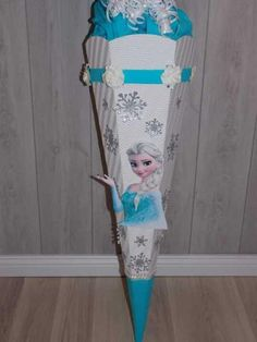 Schultüte+Eiskönigin+Elsa+Weiß+/+Blau+Bausatz+von+Bastelpünktchen+auf+DaWanda.com