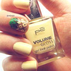 Meine Handtasche schreit heute MILK & die Nägel schreien .... :) #notd #p2 #drogerie #dmdrogerie #nagellack #nails #nailswag #beauty #nailpolish #nailsart #nailart #nailsoftheday #beautyblogger_de #germanblogger #tjakasasnails #dmdeutschland #nailporn #nailsdone #beautyblogger #ananas #dm_deutschland #nageldesign #dm