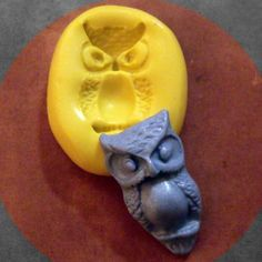 cutest owl..make your own buttons!