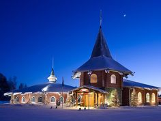The Santa Claus Holiday Village is located at the heart of Santa Claus Village in the Arctic Circle 6 miles north of Rovaniemi. Santa Claus Holiday Village Rovaniemi Finland R:Lapland hotel Hotels Village Hotel, Santa's Village, Lappland, Santa Claus Village, Santa Clause, Treehouse Hotel, Hotel Trivago, Visit Santa, Finland