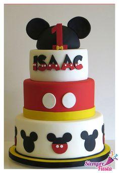 Ideas de pasteles de fiesta o de cumpleaños de Mickey Mouse. Visita todos nuestros artículos para tu fiesta en este link: https://www.pinterest.com/siemprefiesta/pasteles-de-fiesta/?utm_source=Pinterest&utm_medium=Pin&utm_campaign=Mickey_Comic