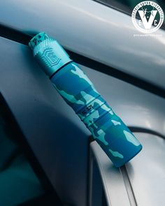 Looking for ideas on what your next vape setup will be? How about something like this: 🔹️El Thunder 20700 Mech Mod In The Battleship Colorway by Viva La Cloud 🔹️Reload BF RDA In Tiffany Blue by Reload Vapor USA 🔹️Half Moon Mods 810 Drip Tip Vaping Life Vape Mods For Sale, Vape Pen For Sale, Vape Smoke, Drip Tip, Vape Juice, Office Art, Slushies, Electronic Cigarette, Voss Bottle
