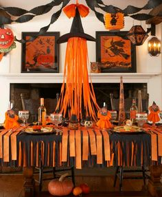 Nice Easy DIY Halloween Decoration Ideas - Welcoming the Halloween is about preparing some house decorations to make the party more alive. Get this Easy Halloween Decoration Ready For Yours. Retro Halloween, Halloween Tisch, Fröhliches Halloween, Adornos Halloween, Dollar Store Halloween, Halloween Designs, Halloween Disfraces, Holidays Halloween, Halloween Buffet Table
