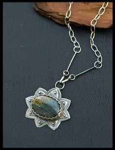 10fb5474a446 Lotus flower necklace  Labradorite necklace by AnniamAeDesigns Collar  Plata