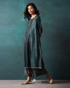 Drop Shipping Women S Fashion Pakistani Designer Suits, Indian Designer Outfits, Designer Dresses, Pakistani Suits, African Traditional Dresses, Indian Dresses, Indian Outfits, Emo Outfits, Indian Attire