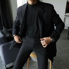 men's street style outfits for cool guys Korean Fashion Men, Fashion Mode, Boy Fashion, Fashion Outfits, Fashion Trends, Fashion Styles, Street Fashion, Fashion Ideas, All Black Mens Fashion