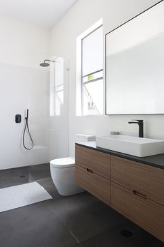 If you're wondering how to decorate a bathroom, you'll love these small bathroom design ideas. Create a stylish bathroom with big impact with our easy small bathroom decorating ideas. Bathroom Vanity Designs, Bathroom Layout, Modern Bathroom Design, Bathroom Interior Design, Bathroom Ideas, Bathroom Vanities, Bathroom Storage, Minimalist Bathroom Design, Bathroom Organization