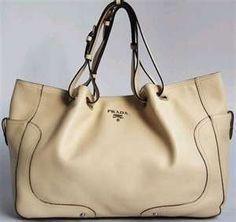 Prada Handbag  - Cris Figueired♥