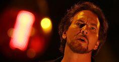 11.nov.2015 - Na noite desta quarta-feira, a banda Pearl Jam se apresentou em Porto Alegre pela terceira vez. O show aconteceu na Arena do Grêmio