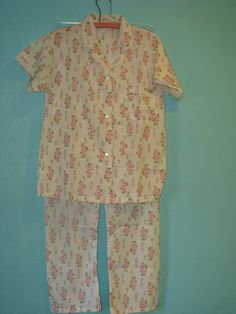 VIntage 1960's Floral Women's Pajamas