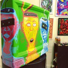 A Arte refletindo o que a gente esquecia. Arte na tela da TV. #illustration #art #colors #TV