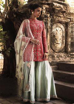 Check out Shyamal & Bhumika designer Clothing collection on ZeepZoop. Visit ZeepZoop for Shyamal & Bhumika catalogue, address and contact number. Pakistani Dress Design, Pakistani Outfits, Indian Outfits, Pakistani Clothing, Shadi Dresses, Indian Dresses, Lehenga Choli, Sabyasachi, Sharara