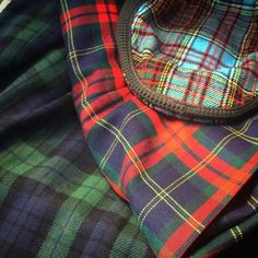 Higgins and Cole style. Tartan Plaid, Plaid Scarf, Caravan, I Got Married, Scottie, Gingham, Tweed, Sewing Projects, Den