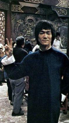 Eminem, Bruce Lee Collection, Bruce Lee Training, Bruce Lee Pictures, Blue Lee, Bruce Lee Family, Bruce Lee Martial Arts, Enter The Dragon, Hollywood