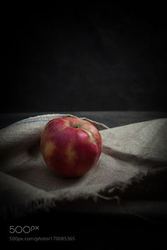 apple by EmicaDjurdjevic #food #yummy #foodie #delicious #photooftheday #amazing #picoftheday