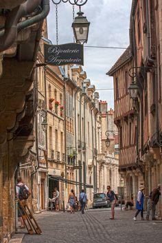 Rue de la Chouette, Dijon, France